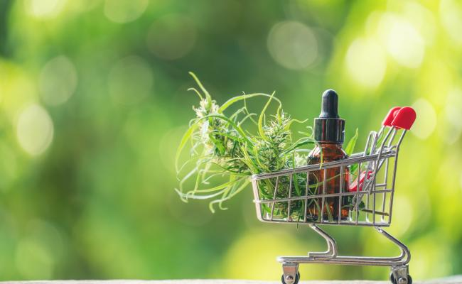 7 Really Good Reasons to Buy Marijuana at a Dispensary Rather than a Dealer